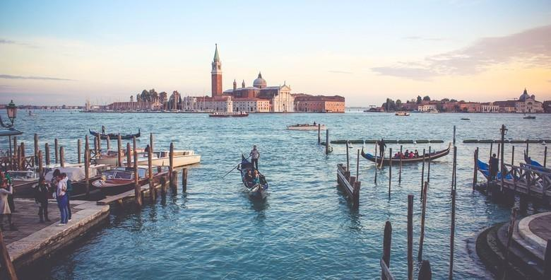 Ponuda dana: Venecija, otoci lagune i outlet Noventa di Piave - Posjetite grad romantike te otkrijte njegovu ljepotu i obavite nezaboravan shopping za 479 kn! (Smart TravelID kod: HR-AB-01-070116312)