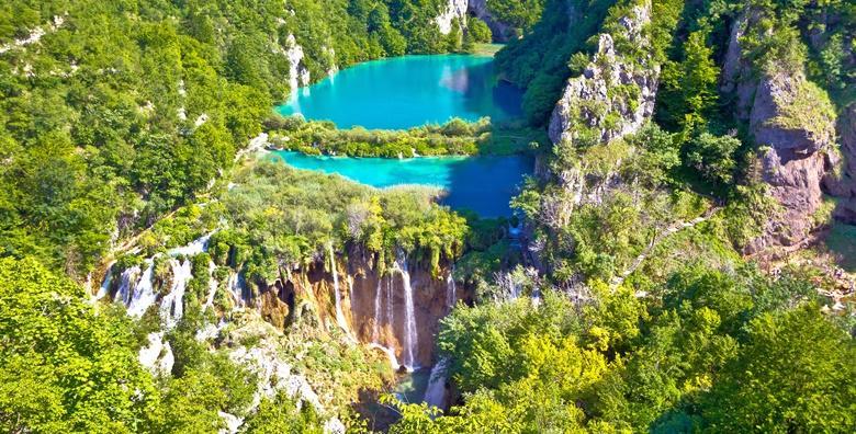 NP Plitvice - jesenska čarobna bajka najstarijeg nacionalnog parka i uživanje u pogledu na simpatične Rastoke poznate i kao Male Plitvice za 145 kn!