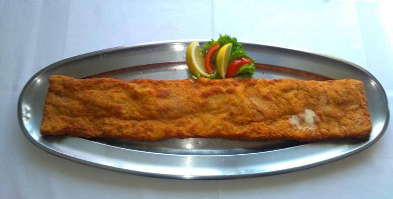 ZAGREBAČKI ODREZAK - čak pola metra sočnog mesa pripremljenogna tradicionalan način za dvije osobe za samo 56 kn!