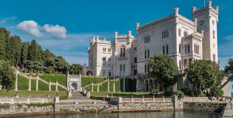 Ponuda dana: Trst - posjetite spektakularne dvorce tršćanskog zaljeva i udahnite  dašak prošlog vremena u jednodnevnom izletu za 160 kn! (Darojković travel ID kod: HR-AB-01-080530750)