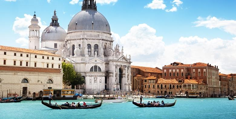 VENECIJA I OTOCI LAGUNE - provedite Valentinovo u ovom romantičnom i bajkovitom gradu i razgledajte otoke Torcello, Burano i Murano za 420 kn!