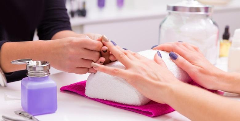 POPUST: 68% - Tečaj ugradnje noktiju u Studiju za nokte Devini Nails - osigurajte si napredovanje na poslovnom planu novom vještinom za 389 kn! (Devini Nails)