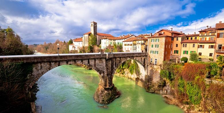 Ponuda dana: ITALIJA Jednodnevni izlet u Furlansku prijestolnicu Spilimbergo i San Daniele, gradić poznat po vrhunskom pršutu zaštićen oznakom izvornosti za 219 kn! (Putnička agencija Autoturist - Park ID kod: HR-AB-01-080015747)