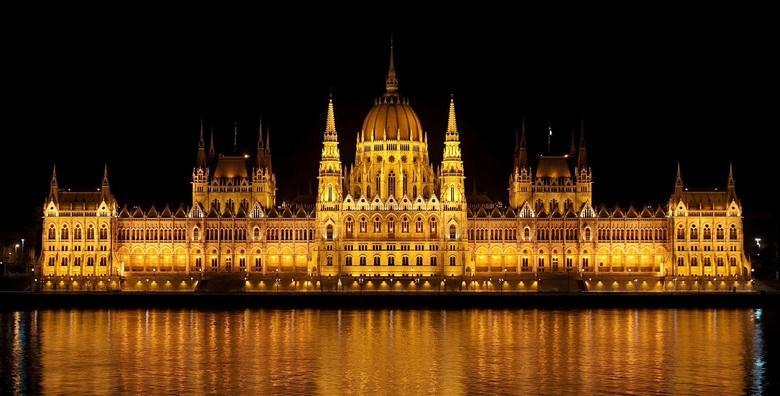 Advent u Budimpešti - 2 dana s doručkom i prijevozom za 399 kn!