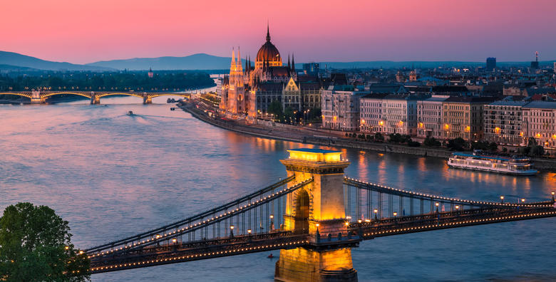 Valentinovo u Budimpešti**** - 2 dana s doručkom i prijevozom za 439 kn!