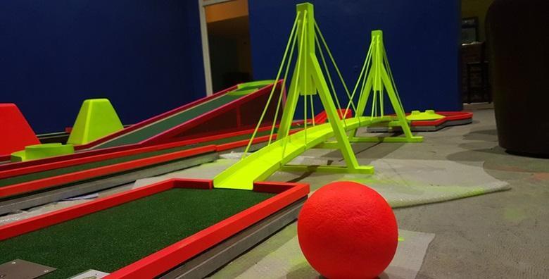 Minigolf - 2h najma terena za do 4 osobe za 99 kn!