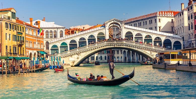 Venecija, Murano, Burano - cjelodnevni izlet s prijevozom za 220 kn!