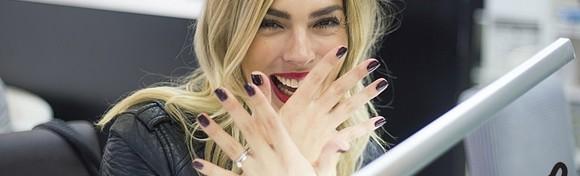 Trajni lak i parafinska kupka - poboljšajte strukturu svojih noktiju i uljepšajte ih svojom omiljenom bojom u Studiju ljepote Manuela za samo 99 kn!