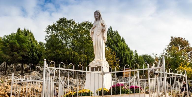 Ponuda dana: HODOČAŠĆE U MEĐUGORJE Posjetite Svetište Kraljice mira! 2 dana s polupansionom i uključenim prijevozom za 349 kn! (Darojković travel ID kod: HR-AB-01-080530750)