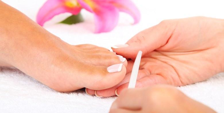 POPUST: 34% - Medicinska pedikura u Beauty centru Salus - tretman uključuje namakanje stopala, obradu noktiju, kurjeg oka, peta i uraslog nokta za 99 kn! (Beauty centar Salus)