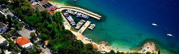 [DRAMALJ] 2 noćenja za 2 do 5 osoba u Villi Adriatica*** uz korištenje vanjskog bazena, roštilja, sprava za rekreaciju i igrališta od 599 kn!