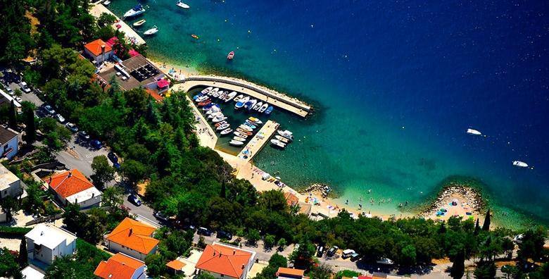 POPUST: 50% - DRAMALJ 2 noćenja za 2 do 5 osoba u Villi Adriatica 3* uz korištenje vanjskog bazena, roštilja, sprava za rekreaciju i igrališta od 599 kn! (Villa Adriatica***)