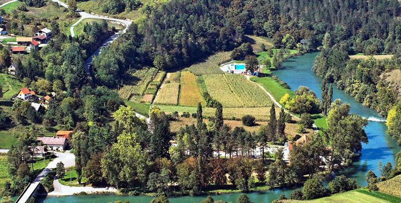 [TOPLICE LEŠĆE] 1 ili 2 noćenja s polupansionom za 2 osobe u sobi s termalnom vodom, tik do rijeke Dobre u srcu goranske prirode od 425 kn!