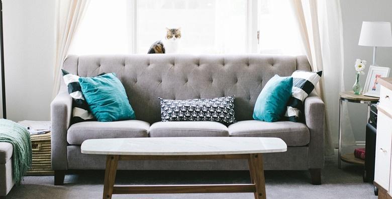 POPUST: 58% - Kemijsko čišćenje L kutne garniture ili dvosjeda, trosjeda i fotelje uz GRATIS čišćenje tepiha do 2 m2 od 169 kn! (Romana Perički j.d.o.o.)