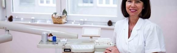 Čišćenje zubnog kamenca, poliranje, pregled i konzultacije - osigurajte zdrave zube i lijep osmijeh u ordinaciji Dami Dent za 99 kn!