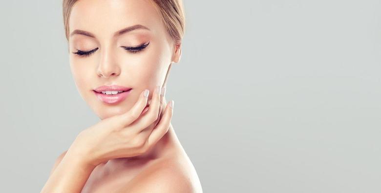 POPUST: 60% - MIKRODERMOABRAZIJA Kristalna ili dijamantna uz piling s košticama marelice, masku, serum, kremu i gratis masažu ruku i lica za 99 kn! (Centar zdravlja i ljepote Dita)