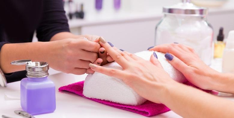 MEGA POPUST: 72% - Manikura, trajni lak i masaža ruku - kompletna njega ruku za samo 79 kn! (Alpha et Omega - Beauty & fit centar)