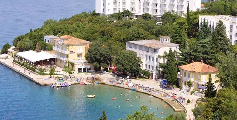 [OMIŠALJ] 2 ili 5 noćenja s polupansionom za dvoje u Hotelu Adriatic - termini kroz CIJELU SEZONU već od 1.055 kn!