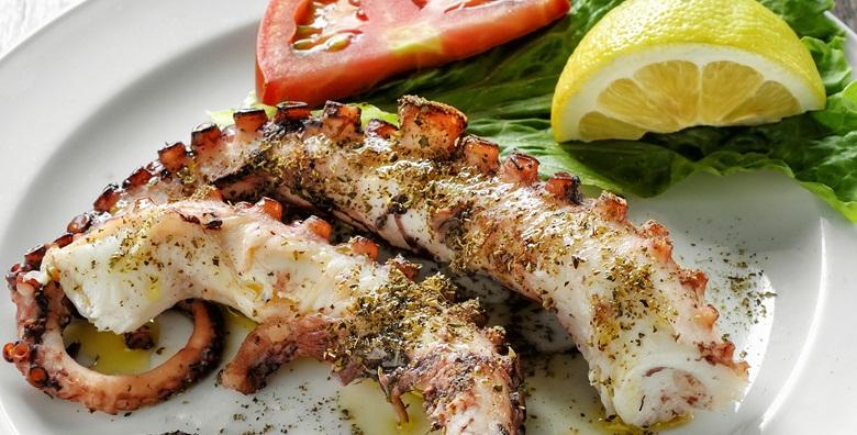 POPUST: 54% - Hobotnica ispod peke s krumpirom ili istarski boškarin s lazanjama i juhom za dvije osobe na grijanoj terasi restorana Casablanca za 129 kn! (Restoran Casablanca)