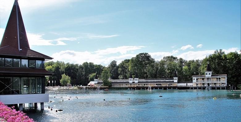 Ponuda dana: JEZERO HEVIZ Uronite u zagrljaj najvećeg termalnog jezera na svijetu gdje je kupanje moguće tijekom cijele godine za 149 kn! (Putnička agencija Autoturist - Park ID kod: HR-AB-01-080015747)