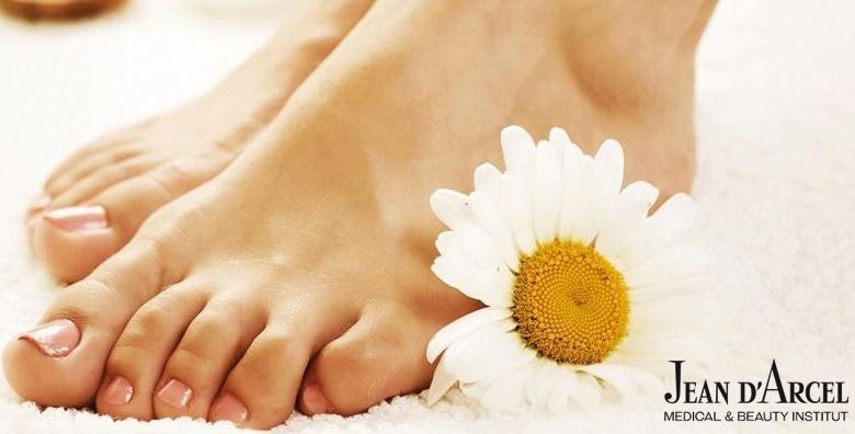 Estetska pedikura uz soak off trajni lak - pripremite svoja stopala za otvorenu obuću u Jean d`Arcel Medical & Beauty Institutu za samo 99 kn!