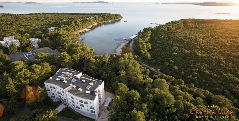 EKSKLUZIVNO Crvena Luka Resort**** - 2 noći s polupansionom i wellnessom za dvoje za 1.167 kn!