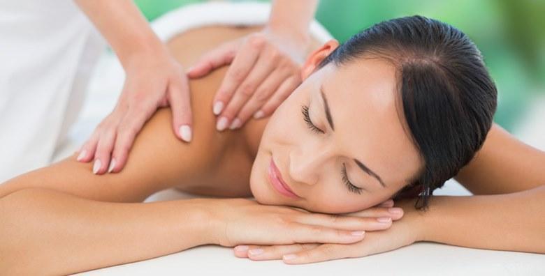 POPUST: 30% - Masaža leđa u trajanju 30 minuta u Kozmetičkom studiju Lu za samo 49 kn! (Kozmetički studio Lu)