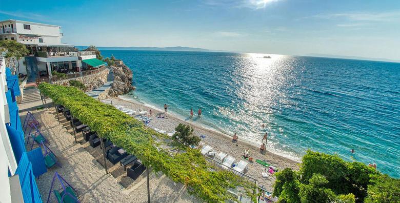 Ponuda dana: Ljetovanje nadomak Makarske! 3 ili 7 noćenja s doručkom za dvoje u sobama ili bungalovima Beach Hotela*** na samoj plaži - CIJELA SEZONA već od 1.599 kn! (Beach Hotel***)