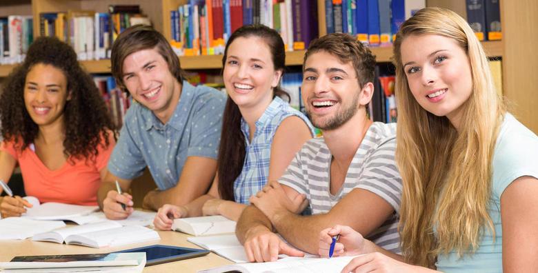 POPUST: 60% - KONVERZACIJSKI ENGLESKI Obogatite vokabular i savladajte komunikacijske vještine! Tečaj u trajanju 20 školskih sati uz uključene materijale za 399 kn! (Škola stranih jezika Hillard)