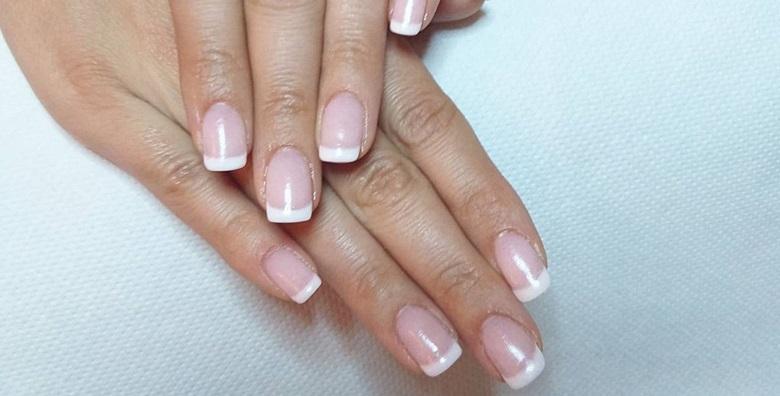 Dipping nails - nokti čvrsti kao gelirani, a tanki kao da je na njima trajni lak za 99 kn!