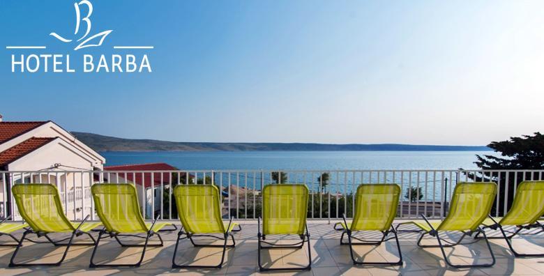 Starigrad Paklenica - 1 noćenje s polupansionom za 1 osobu tik do plaže 7.7. - 14.7. za 299 kn!