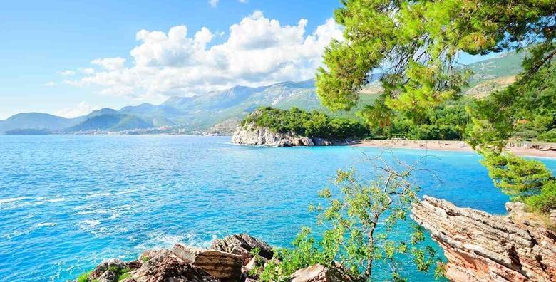MEGA POPUST: 70% - OMIŠALJ 2, 5 ili 7 noćenja za dvoje u apartmanu 3* tik do plaže - uživajte u ljepotama zlatnog otoka Krka u terminu po izboru od 399 kn! (Apartman Omišalj 3*)