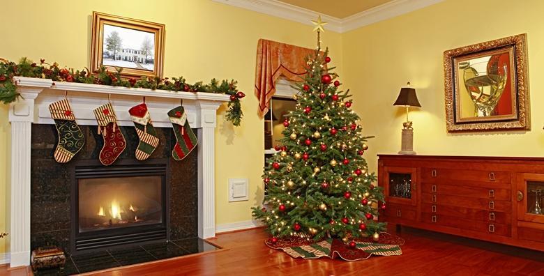 Božićno drvce - smrekom visine od 1,7 do 3m unesite radost blagdana u dom za 79 kn!