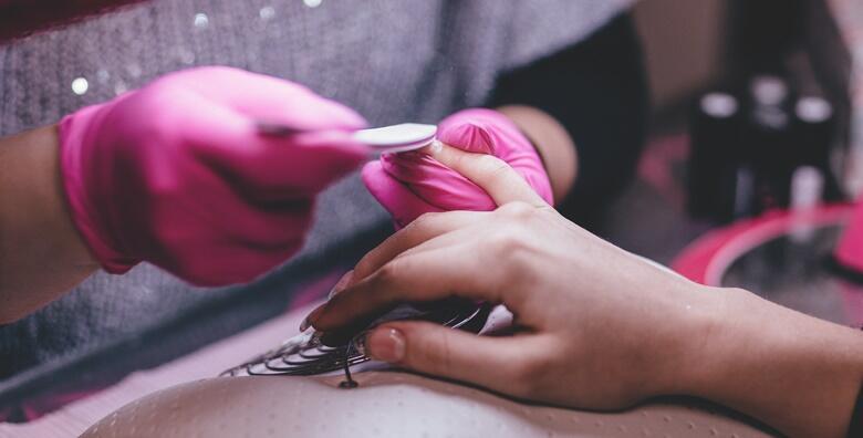 Trajni lak i manikura - uredite nokte najdražom bojom u salonu Beauty Halla za samo 89 kn!
