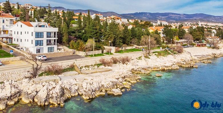 POPUST: 36% - NOVI VINODOLSKI Ljetovanje za cijelu obitelj u luksuznim Apartmanima Di Blu 4* s vanjskim bazenom, prvi red do mora! (Apartmani Di Blu)