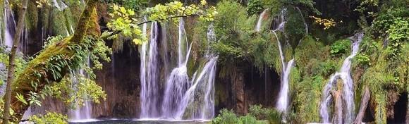 PLITVICE - posjetite jedan od najljepših europskih nacionalnih parkova Plitvička jezera koja svojom ljepotom privlače posjetioce iz cijelog svijeta za 140 kn!