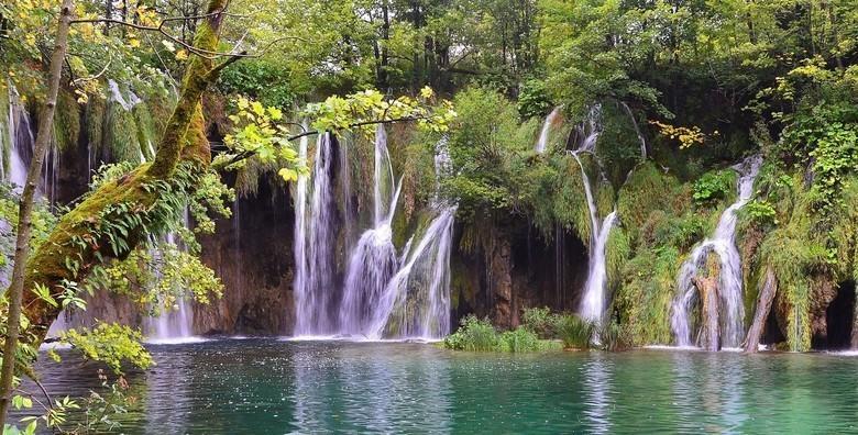 Plitvička jezera - cjelodnevni izlet s uključenim prijevozom za 115 kn!
