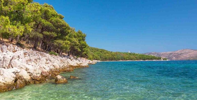 Ponuda dana: ZADARSKA RIVIJERA Uživajte nadomak plaže u terminima kroz CIJELU SEZONU!  5 ili 7 noćenja za 2 - 4 osobe u apartmanima 3* za 1.850 kn! (Apartmani Podgorski***)