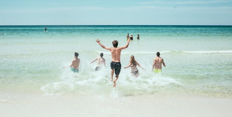 Biograd na Moru 3* - 5 ili 7 noćenja za dvoje u sobama tik do plaže od 1.878 kn!