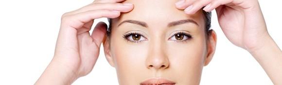 Zagladite i osvježite kožu svoga lica te smanjite bore uz Hollywood tretman kemijskim pilingom u Medicinsko estetskom centru Venus za 262 kn!