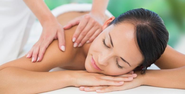 POPUST: 39% - Masaža cijelog tijela ili parcijalna masaža nogu ili ruku već od 49 kn! (Monroe Centar za njegu lica i tijela)