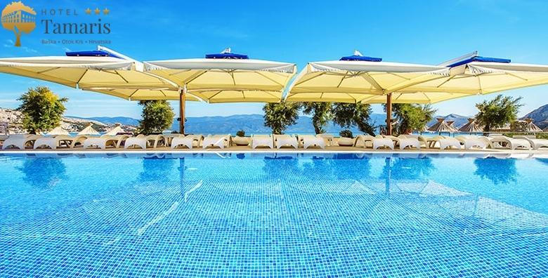 POPUST: 49% - BAŠKA, KRK 2 noćenja s doručkom ili polupansionom za dvoje u Hotelu Tamaris*** uz neograničeno korištenje bazena - LAST MINUTE cijena već od 948 kn! (Hotel Tamaris***)