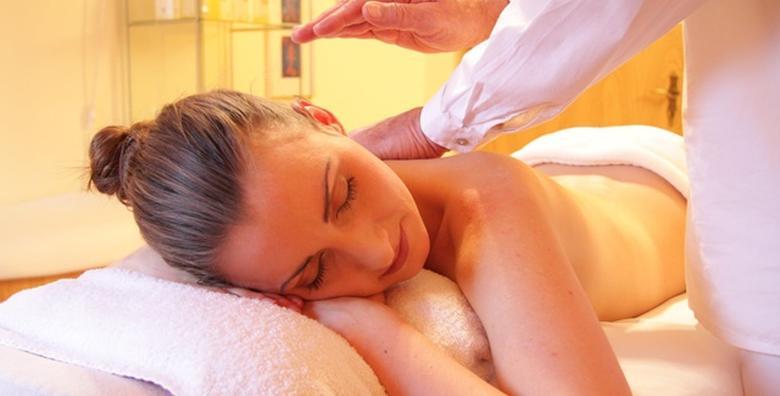 Klasična masaža cijelog tijela - eliminirajte napetost i priuštite svom tijelu zasluženu relaksaciju u trajanju od 30 minuta u Kozmetičkom salonu Valentino za samo 69 kn!