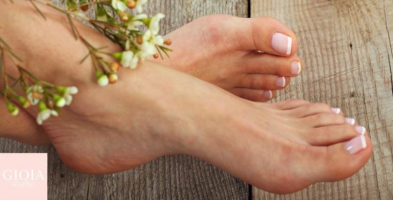 POPUST: 54% - Estetska pedikura uz OPI trajni lak i masažu stopala u novootvorenom Gioia Beauty salonu za 119 kn! (Gioia Studio)