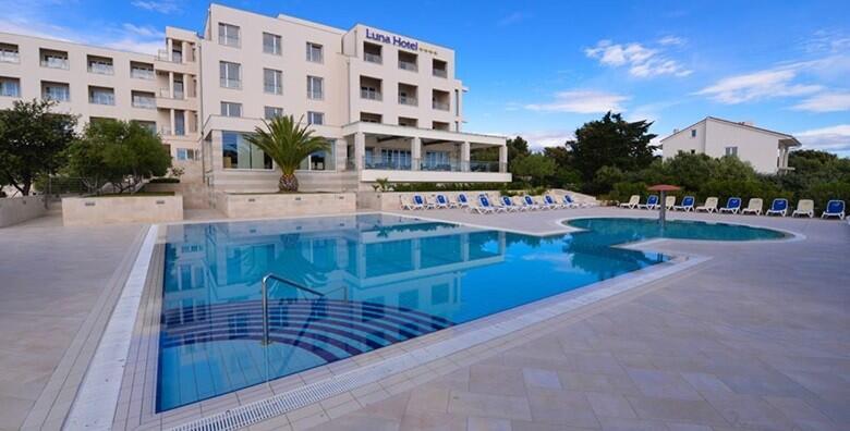 La Luna Hotel 4* - 1,2,3 ili 5 noćenja s polupansionom za dvoje od 1.027 kn!