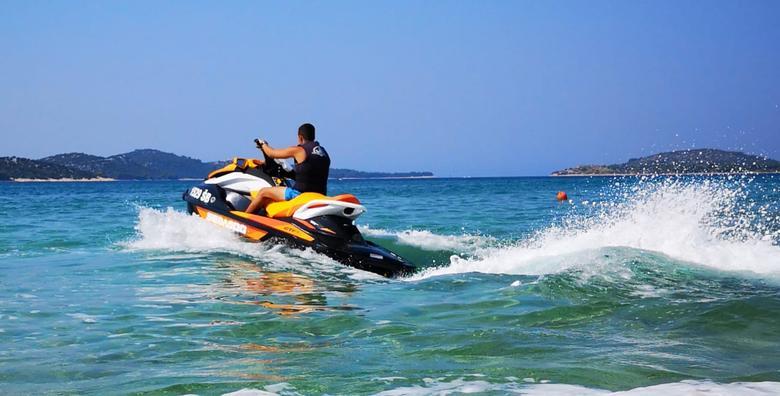 Adrenalinski izlet - Istražite sve čari i ljepote poluotoka Oštrica i otoka za 399 kn!