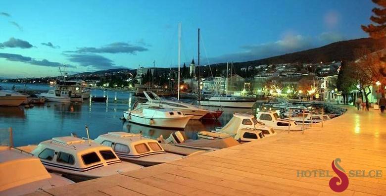 Ponuda dana: SELCE Uživajte u toplim mediteranskim danima u najposjećenijoj destinaciji Kvarnera! 2 noćenja s polupansionom za dvoje u hotelu 3* za 779 kn! (Hotel Selce 3*)