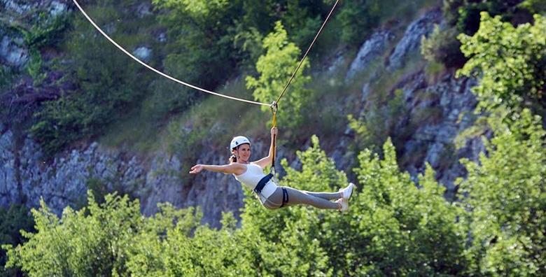 Ponuda dana: ZIPLINE - adrenalinski park Plitvice, uzbudljivi spust tijekom kojeg ćete poletjeti brzinom preko 70 km/h iznad kanjona rijeke Korane već od 99 kn! (Adrenalin Park Plitvice)
