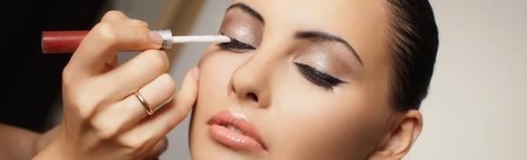Individualni tečaj šminkanja uz vodstvo kozmetičara s iskustvom - naučite sve o konturiranju, tehnikama i nanošenju umjetnih trepavica za 279 kn!