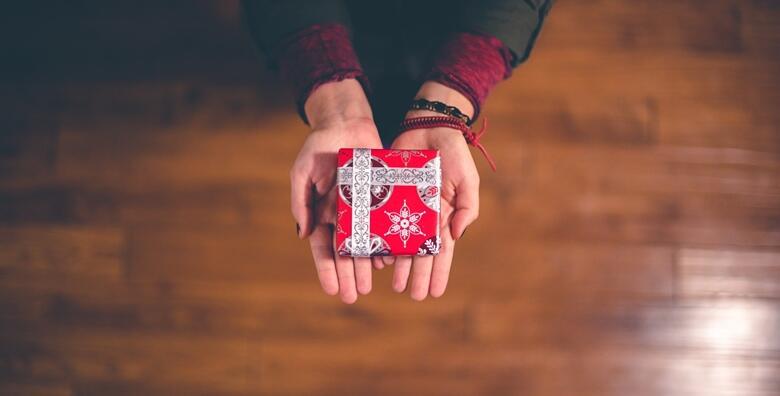 Za Božić poklonite sebi ili dragoj osobi tretmane uz voucher u vrijednosti 500 kn za 329 kn!